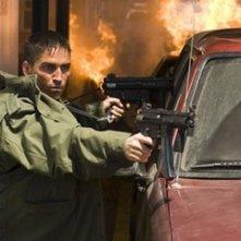 James Caviezel in una scena di Deja Vu - Corsa Contro Il Tempo