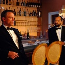 Daniel Craig e Jeffrey Wright in una scena del film Casino Royale