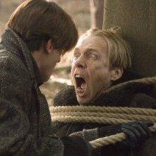 Gaspard Ulliel (di spalle) è il giovane Hannibal Lecter in Hannibal Rising