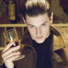 Gaspard Ulliel in una scena di Hannibal Lecter - Le origini del male (Hannibal Rising)