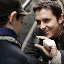 Anthony DeMarco e Christian Bale in una scena di 'The Prestige'