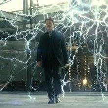 David Bowie è Nikola Tesla in una scena di 'The Prestige'