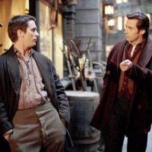 Hugh Jackman e Christian Bale in una scena del film 'The Prestige'