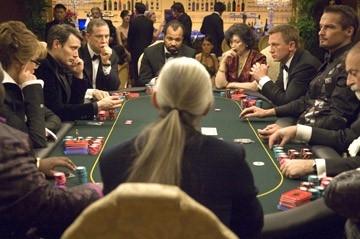 Mads Mikkelsen Urbano Barberini Jeffrey Wright Tsai Chin E Daniel Craig In Una Scena Del Film Casino Royale 34810