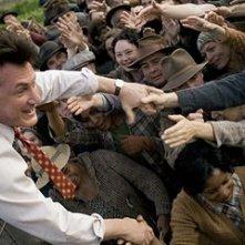 Sean Penn in una scena del film Tutti gli uomini del re (All the King's Men)