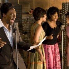 Eddie Murphy, Beyoncé Knowles, Jennifer Hudson e Anika Noni Rose in una scena di Dreamgirls