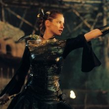 Sienna Guillory in una sequenza di Eragon