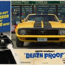 Una lobbycard promozionale realizzata per Death Proof (A prova di morte) uno dei due episodi di Grind House