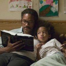 Jaden Smith e Will Smith in una scena del film La ricerca della felicità