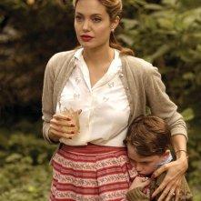 Angelina Jolie in una sequenza del film The Good Shepherd
