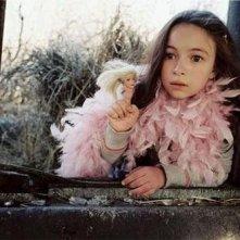 La piccola Jodelle Ferland in una scena di Tideland