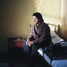 Una scena del film Le luci della sera di Aki Kaurismäki