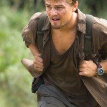 Leonardo DiCaprio in una scena del film Blood Diamond
