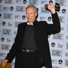 Clint Eastwood riceve il premio per Letters from Iwo Jima ai Golden Globes 2007