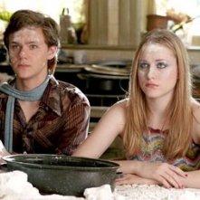 Joseph Cross ed Evan Rachel Wood in una scena del film Correndo con le forbici in mano