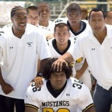 Xzibit e The Rock in una scena del film La gang di Gridiron
