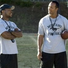 The Rock e Xzibit in una scena del film La gang di Gridiron (2006)