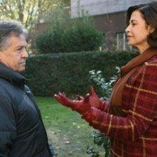 Renato Pozzetto e Anna Galiena in una scena del film Un amore su misura
