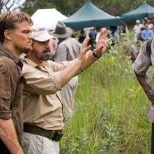 Edward Zwick, Leonardo DiCaprio e Djimon Hounsou sul set del film Blood Diamond - Diamanti di sangue