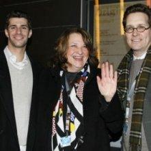 Lynn Hershman Leeson insieme ai produttori Steve Beer e Dan Kessler a Berlino 2007 per presentare il film Strange Culture