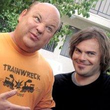 Jack Black insieme a Kyle Gass in una scena di Tenacious D e il destino del rock