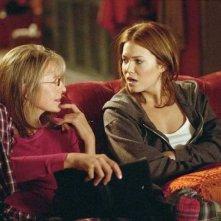 Diane Keaton con Mandy Moore in una scena del film Perchè te lo dice mamma