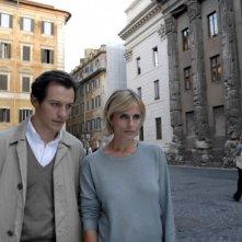 Stefano Accorsi e Isabella Ferrari in una scena di Saturno Contro