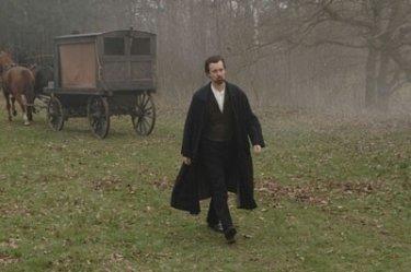 Ed Norton in una scena del film The Illusionist