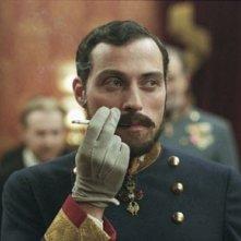 Rufus Sewell in una scena del film The Illusionist