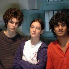 Tom Angel Karumathy, Giovanna Mezzogiorno e Andrea M. Risi in una scena del film Lezioni di volo