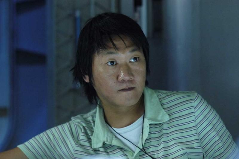 Benedict Wong in una scena del film Sunshine