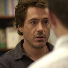 Downey Jr. in una scena del film Guida per riconoscere i tuoi santi