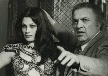 Federico Fellini sul set di Roma