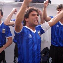 Marco Leonardi in una sequenza del film Maradona, la mano di Dio