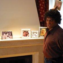Marco Leonardi in una scena del film Maradona, la mano di Dio, biopic sul leggendario calciatore argentino