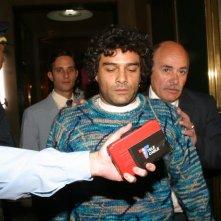 Marco Leonardi in una scena drammatica del film Maradona, la mano di Dio