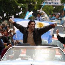 Marco Leonardi in una sequenza del dramma Maradona, la mano di Dio