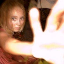 AnnaSophia Robb in una scena del film I segni del male