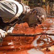 Idris Elba in una scena del thriller I segni del male