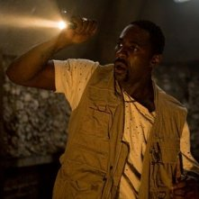 Idris Elba in una sequenza del film I segni del male (The Reaping)