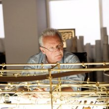Anthony Hopkins in una sequenza del film Fracture