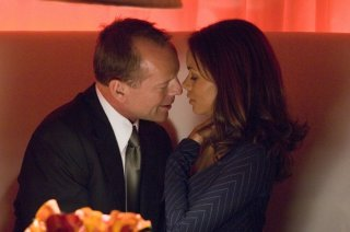 Halle Berry e Bruce Willis in una scena del film Perfect Stranger