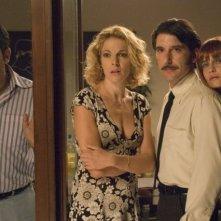 Max Giusti, Claudia Gerini, Luca Lionello e Ilaria Cramerotti  in una scena del film Nero bifamiliare