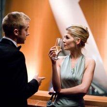 Rosamund Pike e Ryan Gosling in una scena del film Fracture