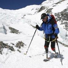 Mark Inglis in una scena di 'Everest: oltre il limite'
