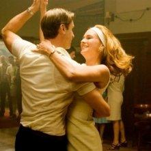 Diane Kruger e Joseph Fiennes ballano in una scena di 'Il colore della libertà'
