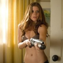 Kate Mara in una scena di Shooter
