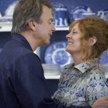 Susan Sarandon e Sam Neill in una scena del film Irresistible