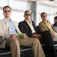 Matt Damon, George Clooney e Brad Pitt in una scena del film Ocean's Thirteen