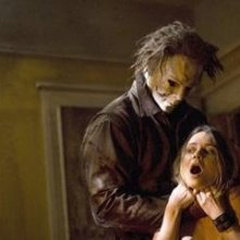 Tyler Mane e Hanna Hall in una scena del film Halloween